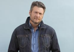 Blake Shelton Happy Anywhere (feat. Gwen Stefani)